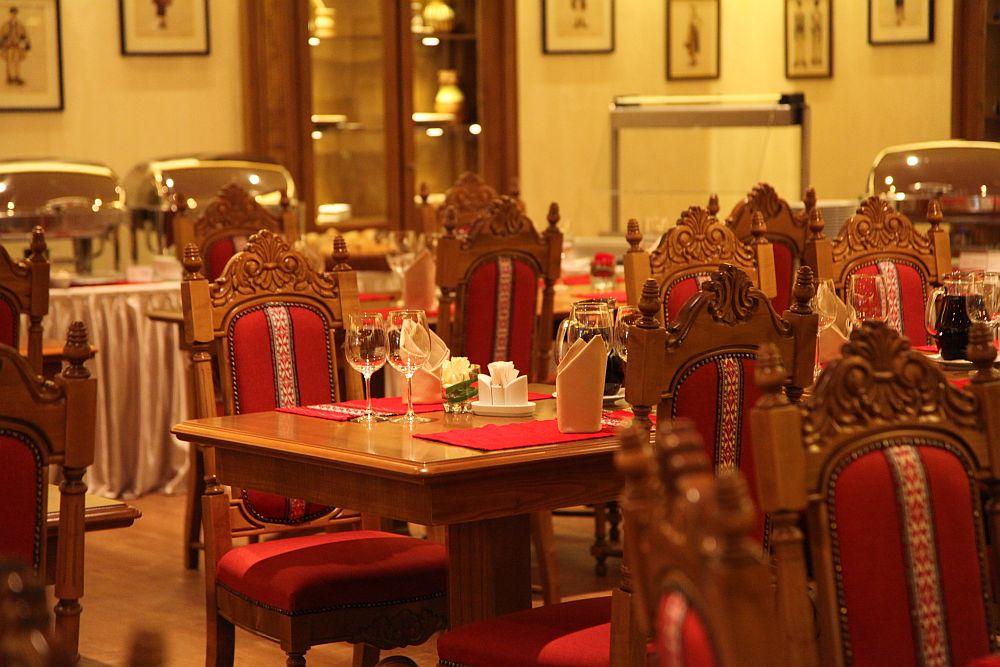 adelaparvu.com despre restaurant romanesc La Sipote (2)