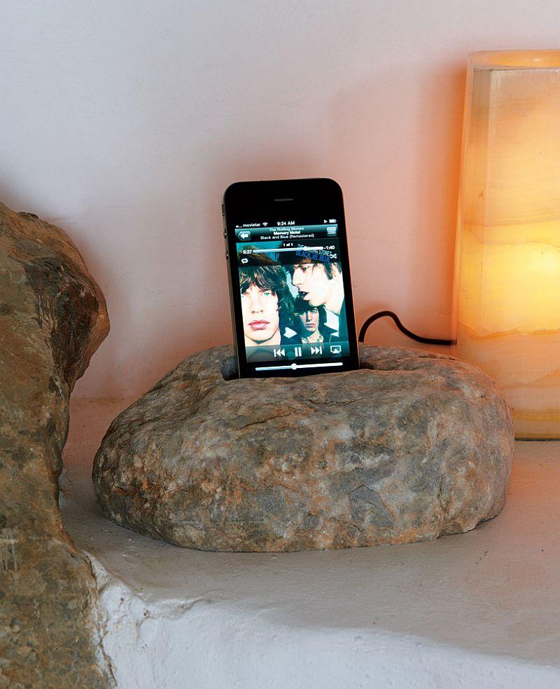 adelaparvu.com despre casa de piatra cu pereti curbi din lut, designer Alexandre de Betak, Foto TMagazine (8)
