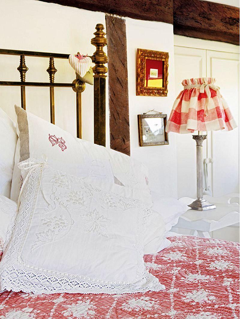 adelaparvu.com despre casa englezeasca, cottage cu decor rustic francez, Foto Johnny Bouchier, Redcover (14)