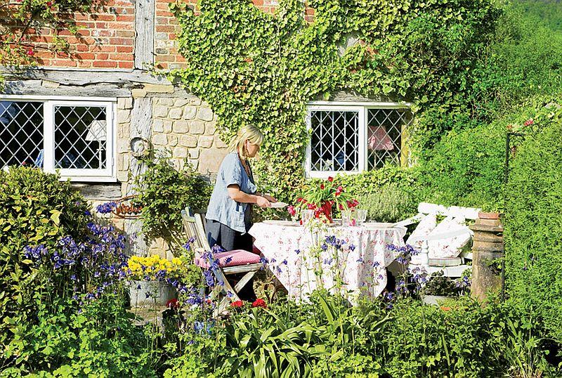 adelaparvu.com despre casa englezeasca, cottage cu decor rustic francez, Foto Johnny Bouchier, Redcover (2)