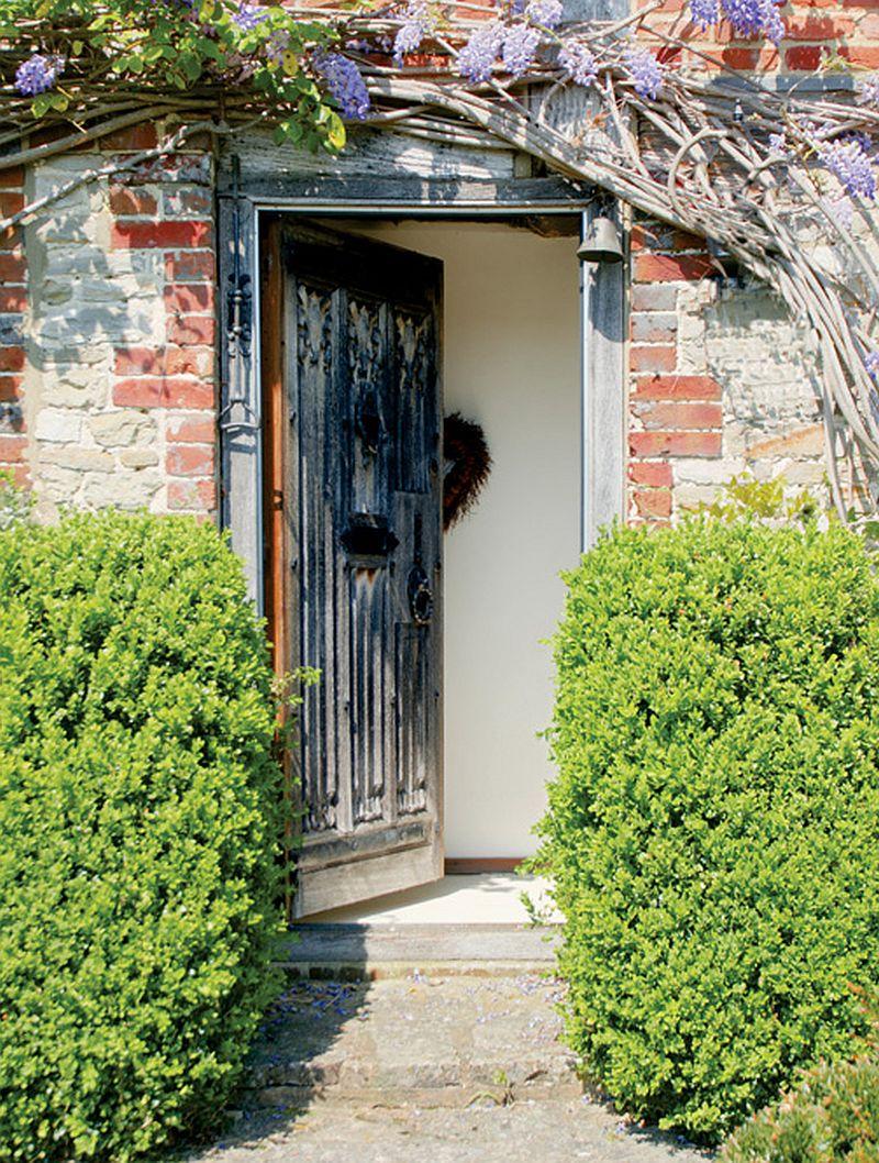 adelaparvu.com despre casa englezeasca, cottage cu decor rustic francez, Foto Johnny Bouchier, Redcover (5)