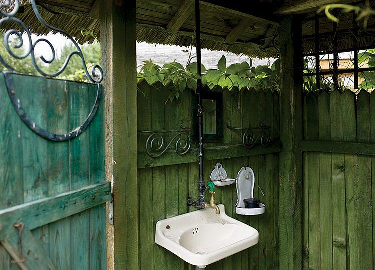 adelaparvu.com despre casa la tara transformata in pensiune, casa rustica Polonia, Foto Rafal Lipski Weranda Country (14)