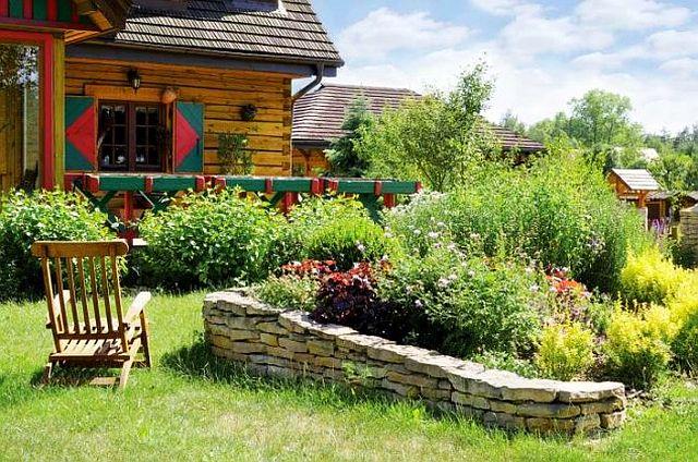 adelaparvu.com despre casa rustica cu gradina, Foto Weranda (1)