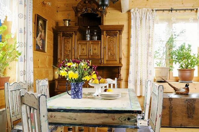 adelaparvu.com despre casa rustica cu gradina, Foto Weranda (8)