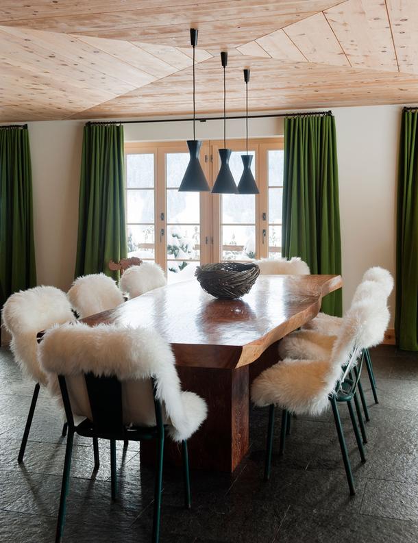 adelaparvu.com despre chalet Elvetia decor rustic modern, designer Tino Zervudachi  (11)