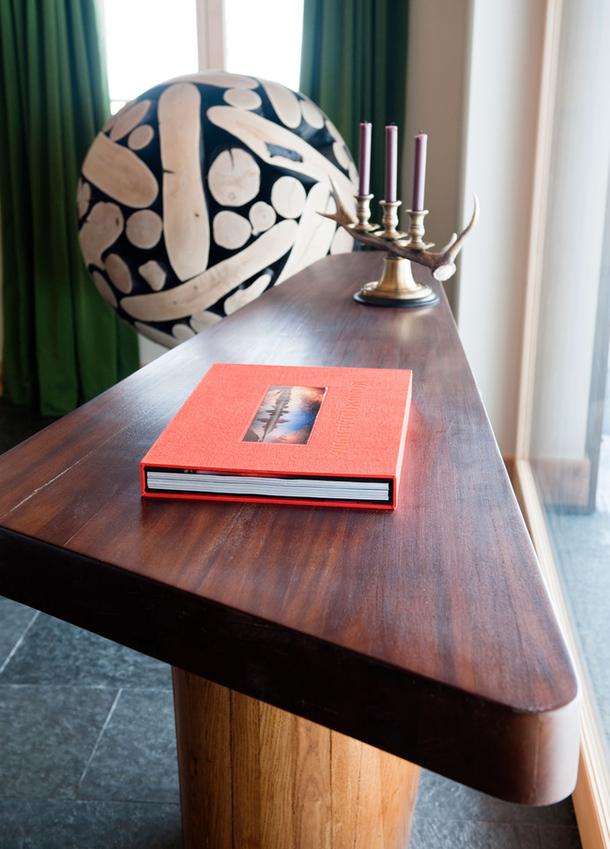 adelaparvu.com despre chalet Elvetia decor rustic modern, designer Tino Zervudachi  (15)