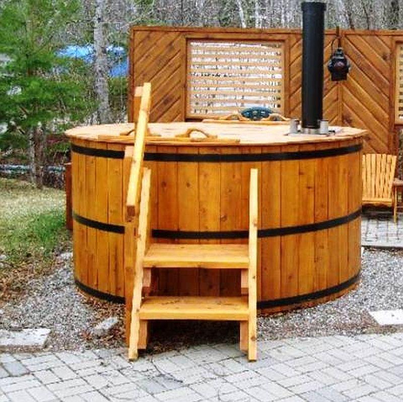 adelaparvu.com despre ciubar din lemn, minispicine sub forma de butoi, Foto Verkauf Gheorgheni (6)