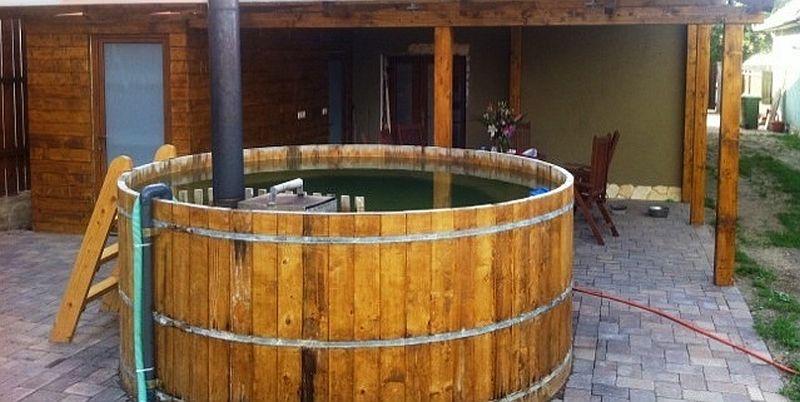 adelaparvu.com despre ciubar din lemn, minispicine sub forma de butoi, Foto Verkauf Gheorgheni (7)