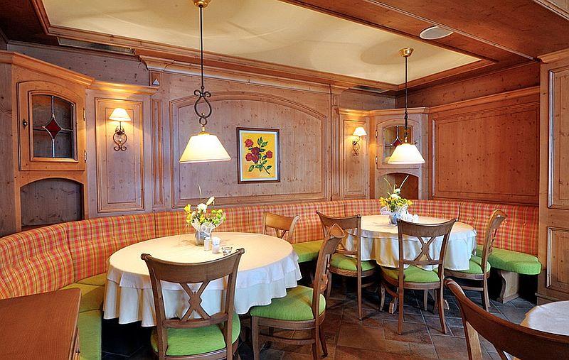 adelaparvu.com despre restaurant Mosaik si Hotel  Sonnenhof Suceava, Foto George Boicu (2)