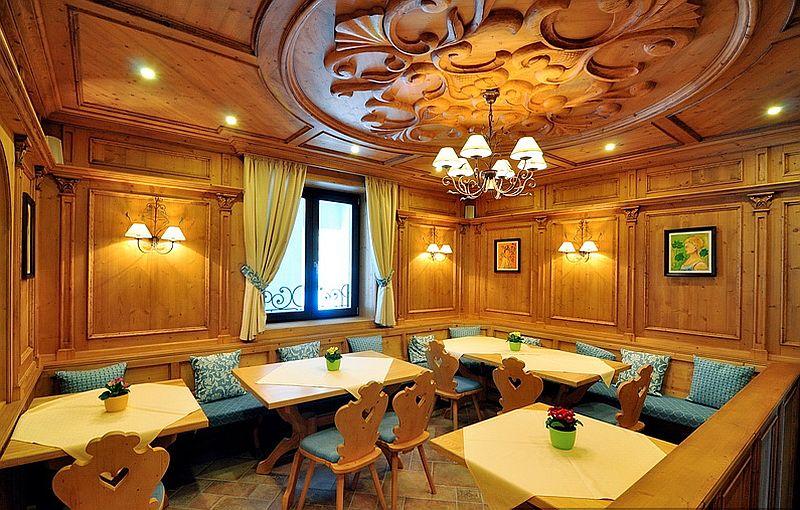 adelaparvu.com despre restaurant Mosaik si Hotel  Sonnenhof Suceava, Foto George Boicu (5)