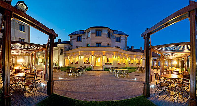 adelaparvu.com despre restaurant Mosaik si Hotel  Sonnenhof Suceava, Foto George Boicu (6)