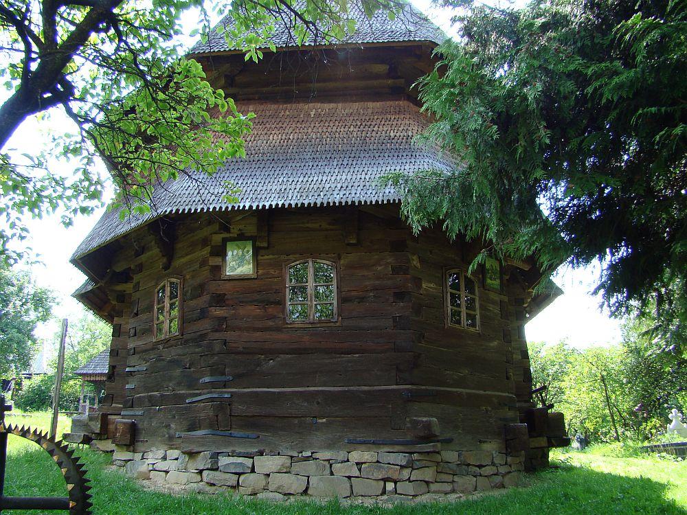 Biserica de lemn din Budesti Josani, Foto Tetcu Mircea Rares