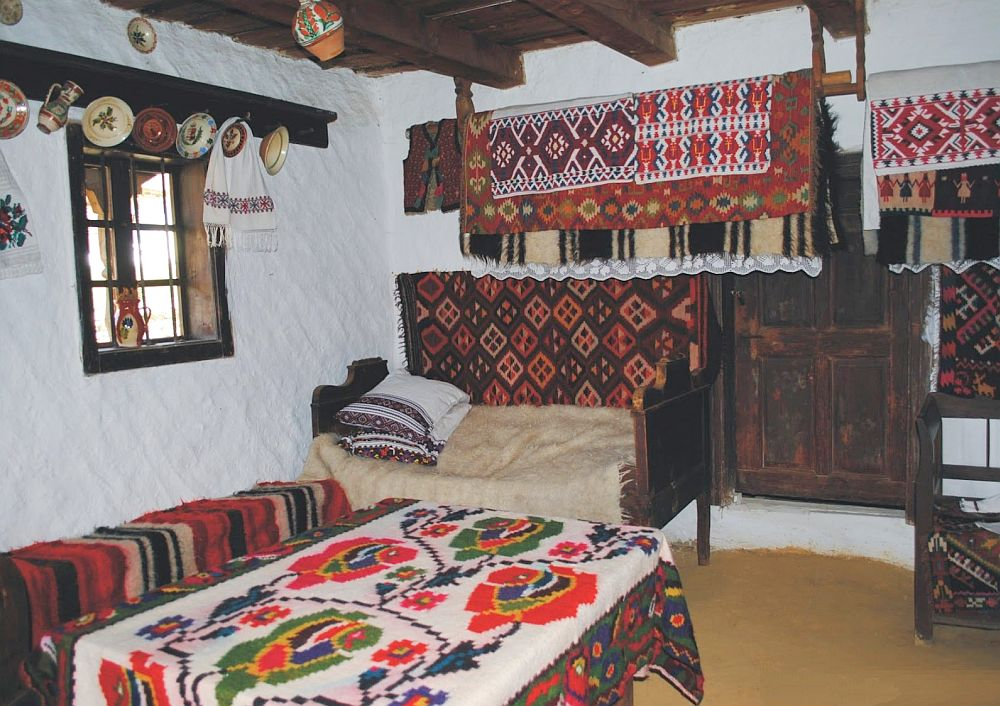 Interior casa maramureseana, Foto Mirel Matyas