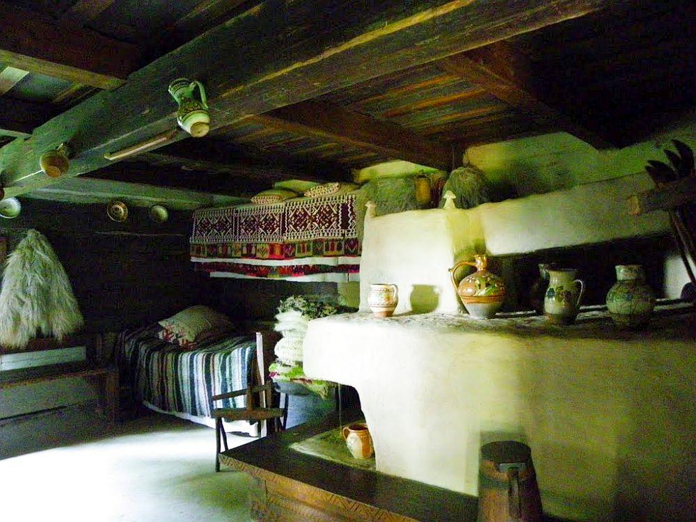 Interior casa maramureana