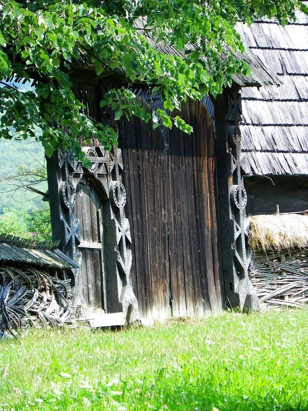 Poarta maramuresana Muzeul Satului Sighetul Marmatiei