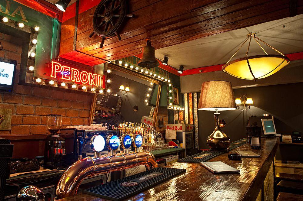adelaparvu.com despre Old Nick pub Sinaia, designer Radu Savopol, Foto Cristi Iancu (1)