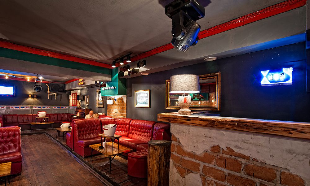 adelaparvu.com despre Old Nick pub Sinaia, designer Radu Savopol, Foto Cristi Iancu (23)