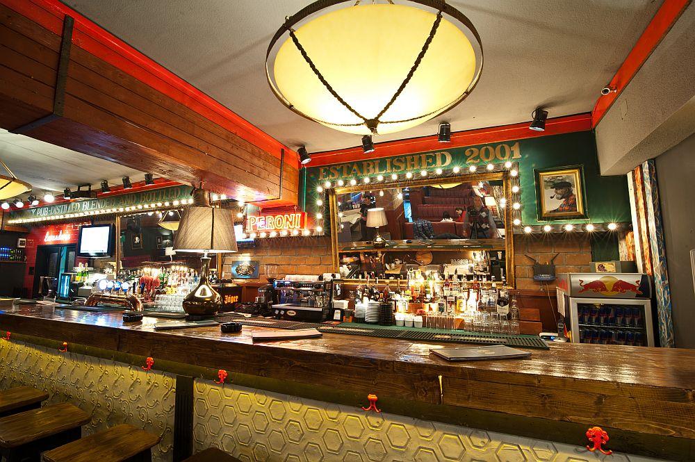 adelaparvu.com despre Old Nick pub Sinaia, designer Radu Savopol, Foto Cristi Iancu (3)