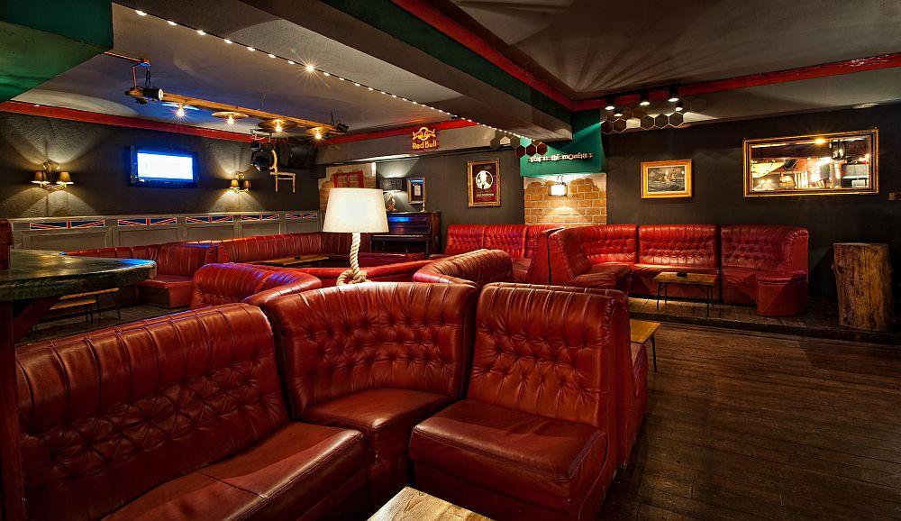 adelaparvu.com despre Old Nick pub Sinaia, designer Radu Savopol, Foto Cristi Iancu (6)