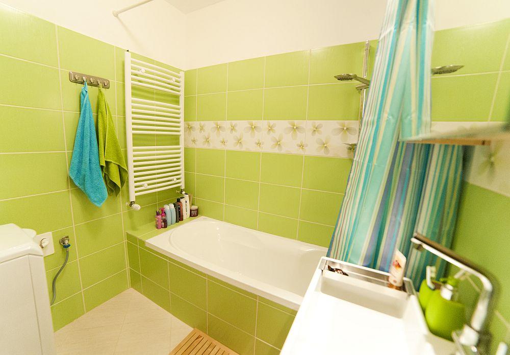 adelaparvu.com despre amenajare colorata intr-un apartament din Bucuresti, designer Aniela Broasca, Foto Dragos Boldea (20)