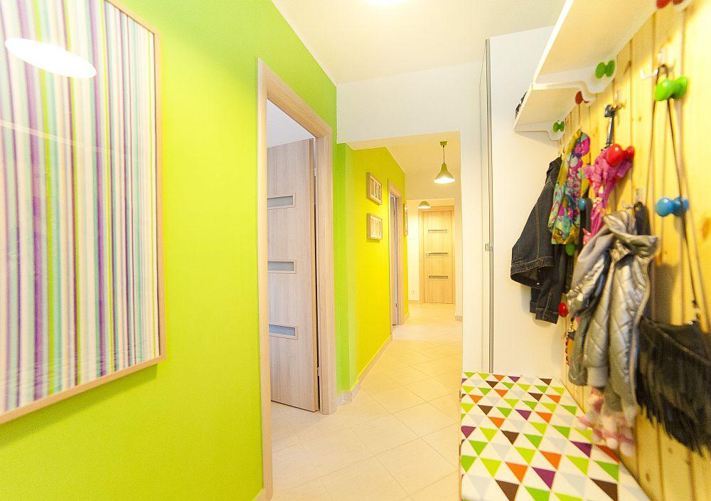adelaparvu.com despre amenajare colorata intr-un apartament din Bucuresti, designer Aniela Broasca, Foto Dragos Boldea (24)