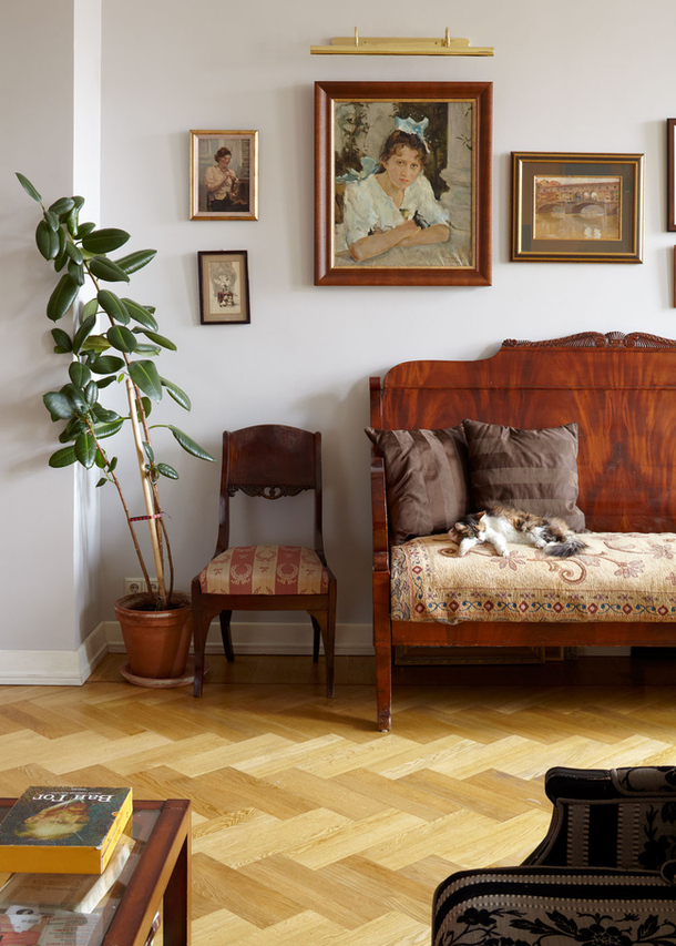 adelaparvu.com despre casa de artist Anna Sokolova, apartament in galben si albastru, locuinta in stil francez (12)