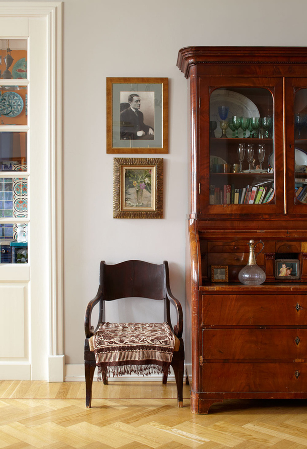 adelaparvu.com despre casa de artist Anna Sokolova, apartament in galben si albastru, locuinta in stil francez (13)