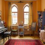 adelaparvu.com despre casa de artist Anna Sokolova, apartament in galben si albastru, locuinta in stil francez