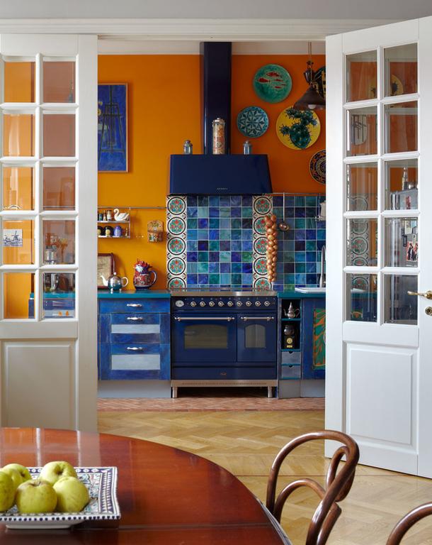 adelaparvu.com despre casa de artist Anna Sokolova, apartament in galben si albastru, locuinta in stil francez (4)