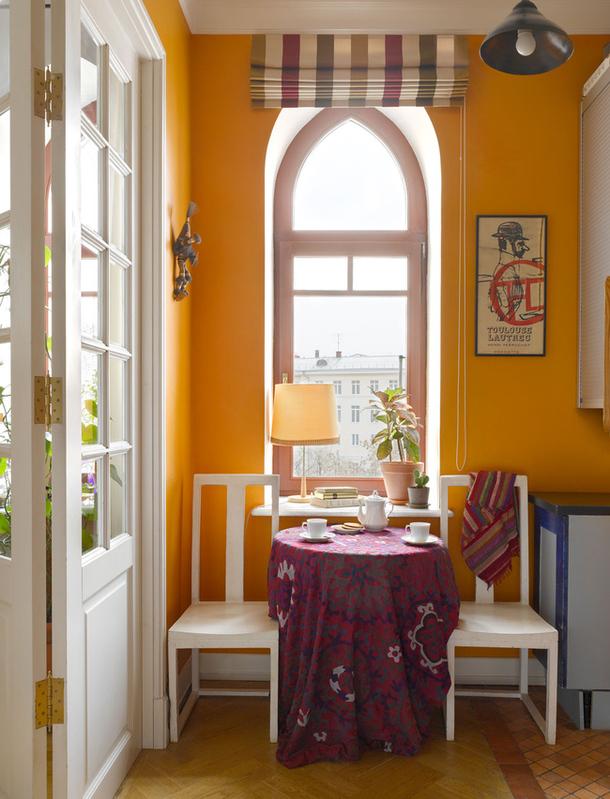 adelaparvu.com despre casa de artist Anna Sokolova, apartament in galben si albastru, locuinta in stil francez (6)
