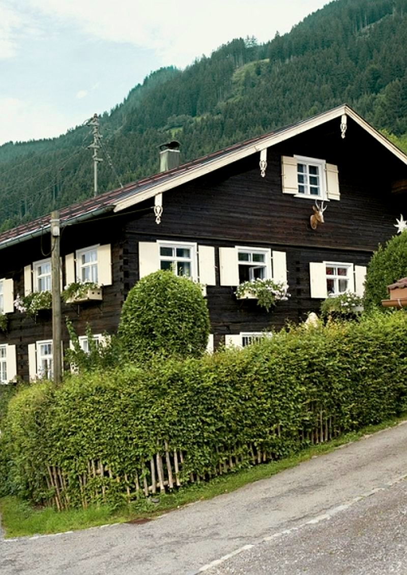 adelaparvu.com despre casa din lemn bavareza cu interior in stil provensal, Foto Red Cover, Christine Bauer (1)
