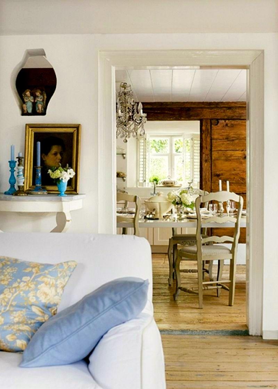 adelaparvu.com despre casa din lemn bavareza cu interior in stil provensal, Foto Red Cover, Christine Bauer (11)