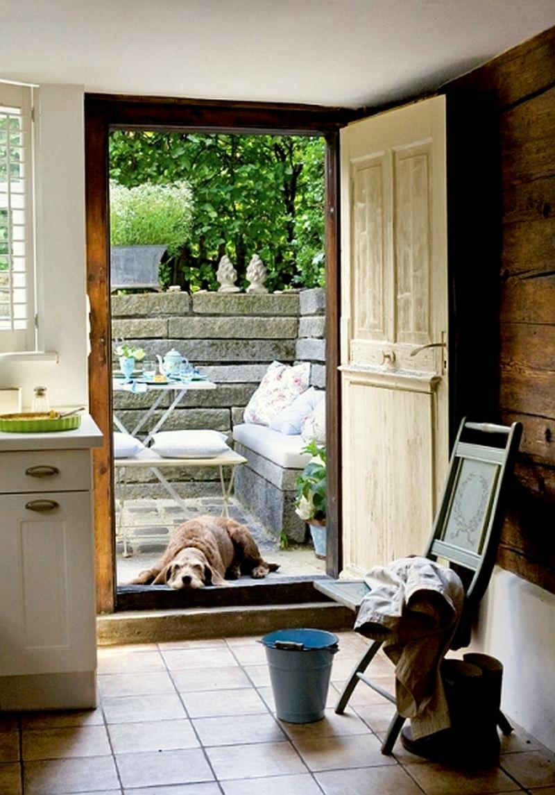 adelaparvu.com despre casa din lemn bavareza cu interior in stil provensal, Foto Red Cover, Christine Bauer (7)