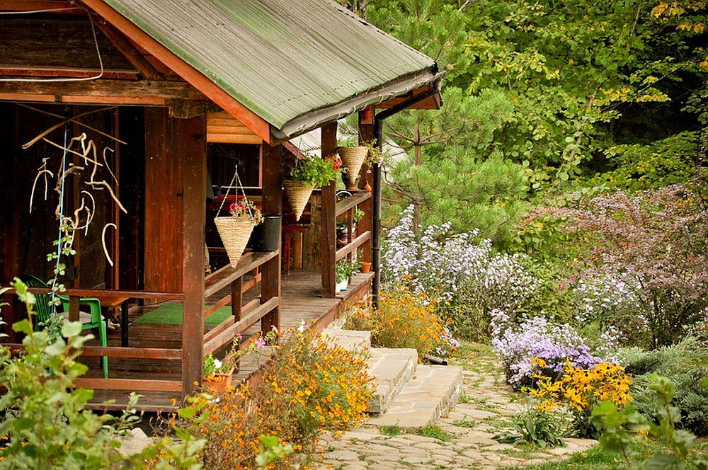 adelaparvu.com despre casa rustica cu gradina langa Piatra Neamt, peisaj de toamna, Foto Romulus Boicu  (3)