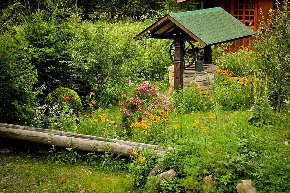 adelaparvu.com despre casa rustica cu gradina langa Piatra Neamt, peisaj de vara, Foto Romulus Boicu  (22)