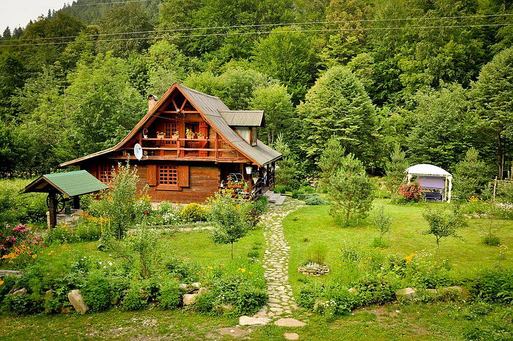 adelaparvu.com despre casa rustica cu gradina langa Piatra Neamt, peisaj de vara, Foto Romulus Boicu  (23)