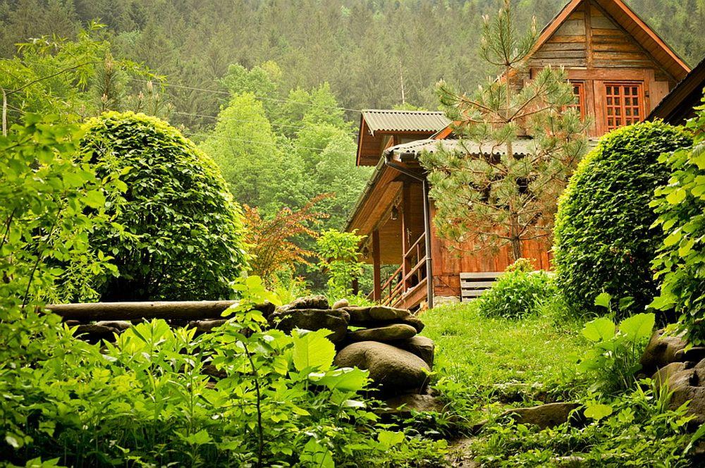 adelaparvu.com despre casa rustica cu gradina langa Piatra Neamt, peisaj de vara, Foto Romulus Boicu  (28)