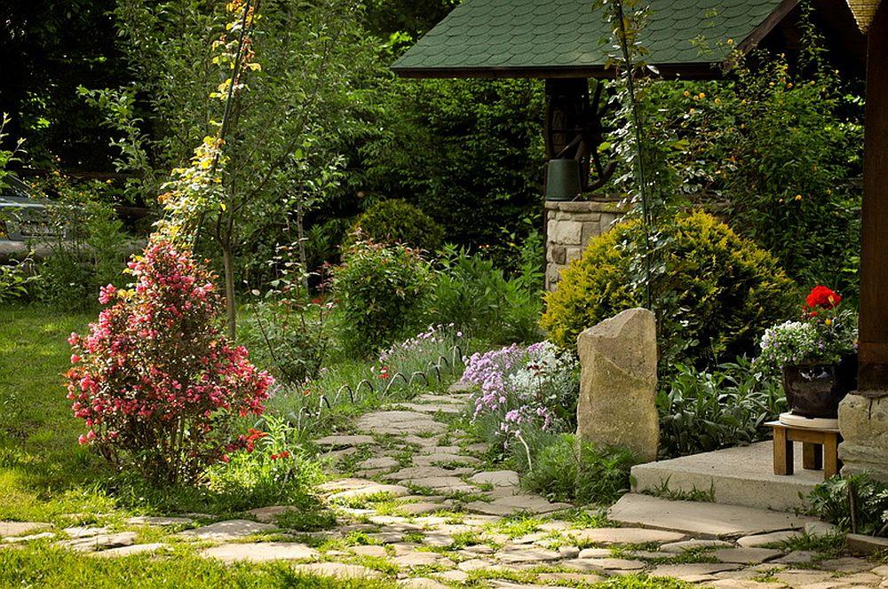 adelaparvu.com despre casa rustica cu gradina langa Piatra Neamt, peisaj de vara, Foto Romulus Boicu  (32)
