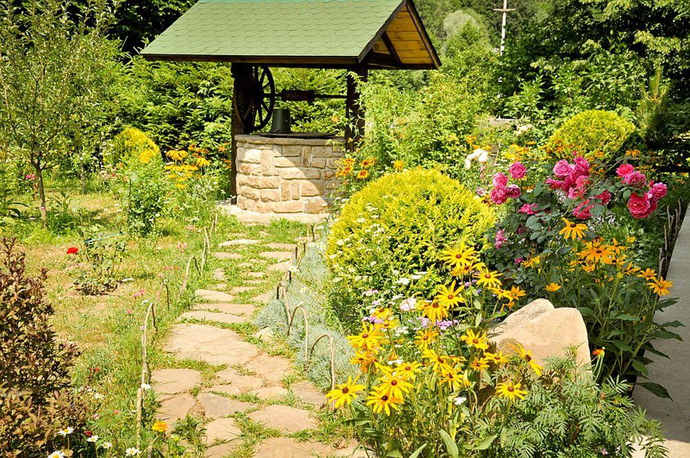 adelaparvu.com despre casa rustica cu gradina langa Piatra Neamt, peisaj de vara, Foto Romulus Boicu  (34)