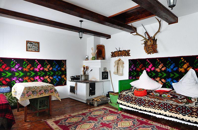 adelaparvu.com despre casa taraneasca Bucovina, casa traditional romaneasca, pensiunea Casa Humor, Foto George Boicu (1)