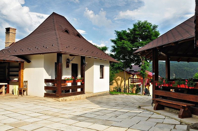 adelaparvu.com despre casa taraneasca Bucovina, casa traditional romaneasca, pensiunea Casa Humor, Foto George Boicu (3)