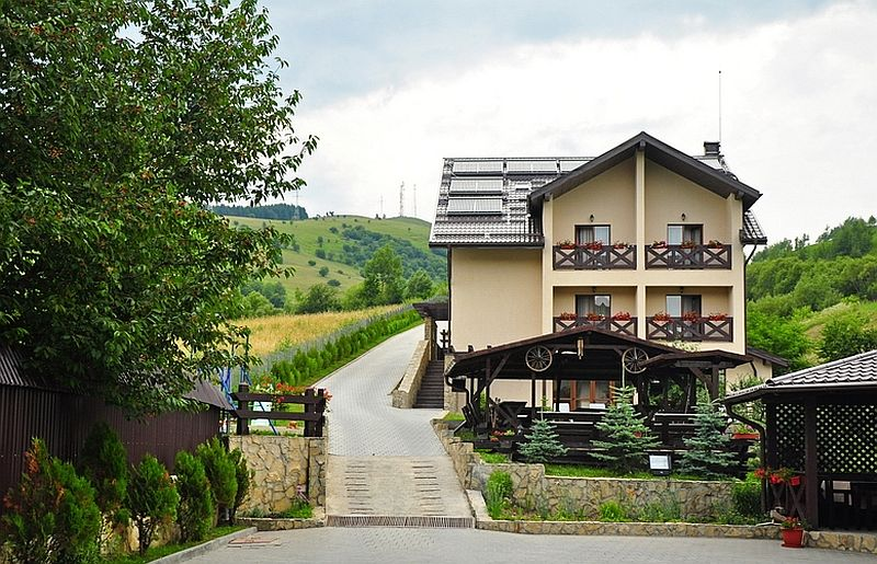 adelaparvu.com despre casa taraneasca Bucovina, casa traditional romaneasca, pensiunea Casa Humor, Foto George Boicu (9)