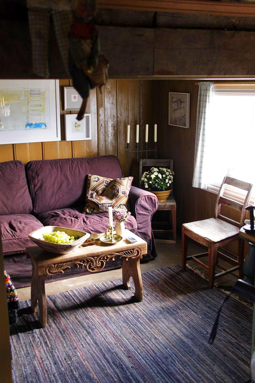 Interiorul cu o alta canapea