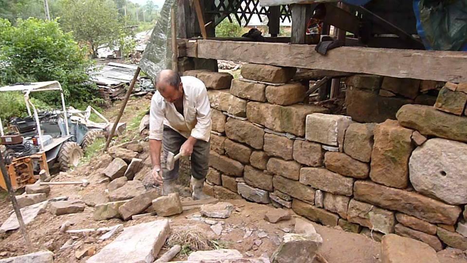 adelaparvu.com despre case din lemn vechi, mester Danut Hotea, case rustice din lemn (11)