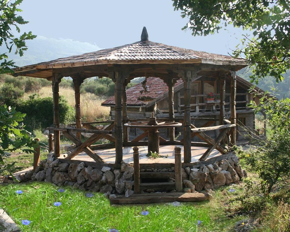adelaparvu.com despre case din lemn vechi, mester Danut Hotea, case rustice din lemn (14)