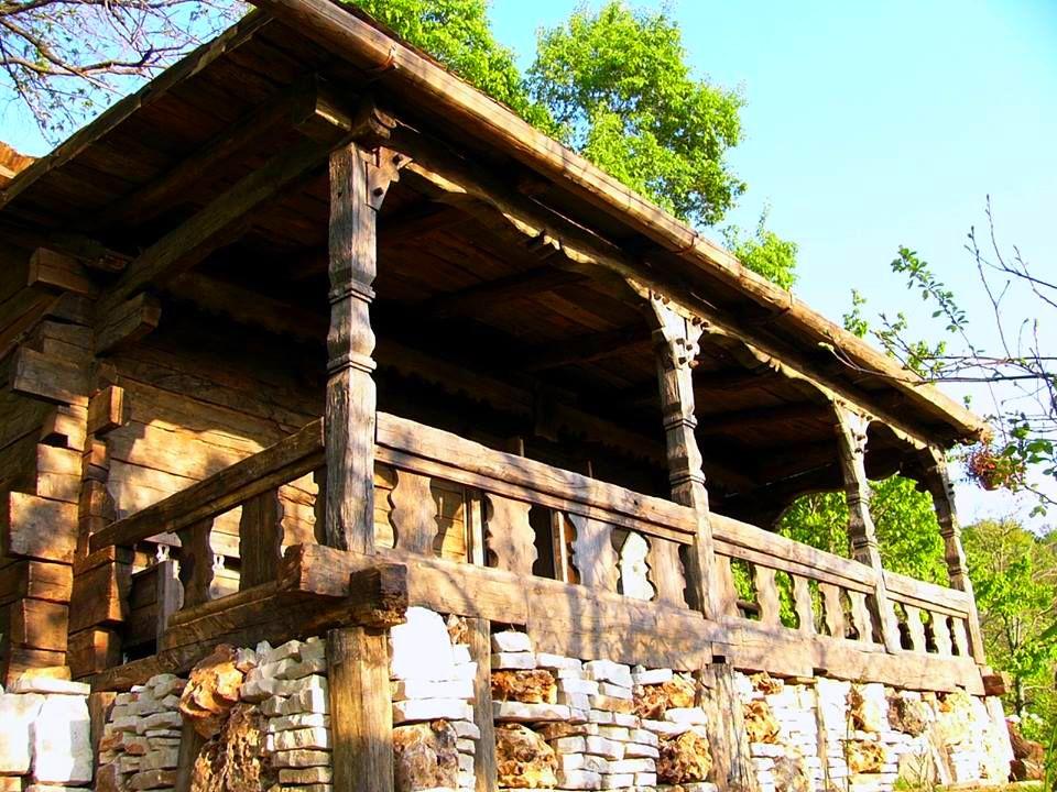 adelaparvu.com despre case din lemn vechi, mester Danut Hotea, case rustice din lemn (17)