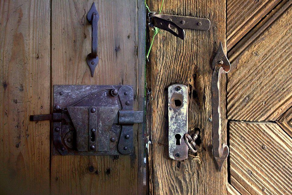 adelaparvu.com despre case din lemn vechi, mester Danut Hotea, case rustice din lemn (35)
