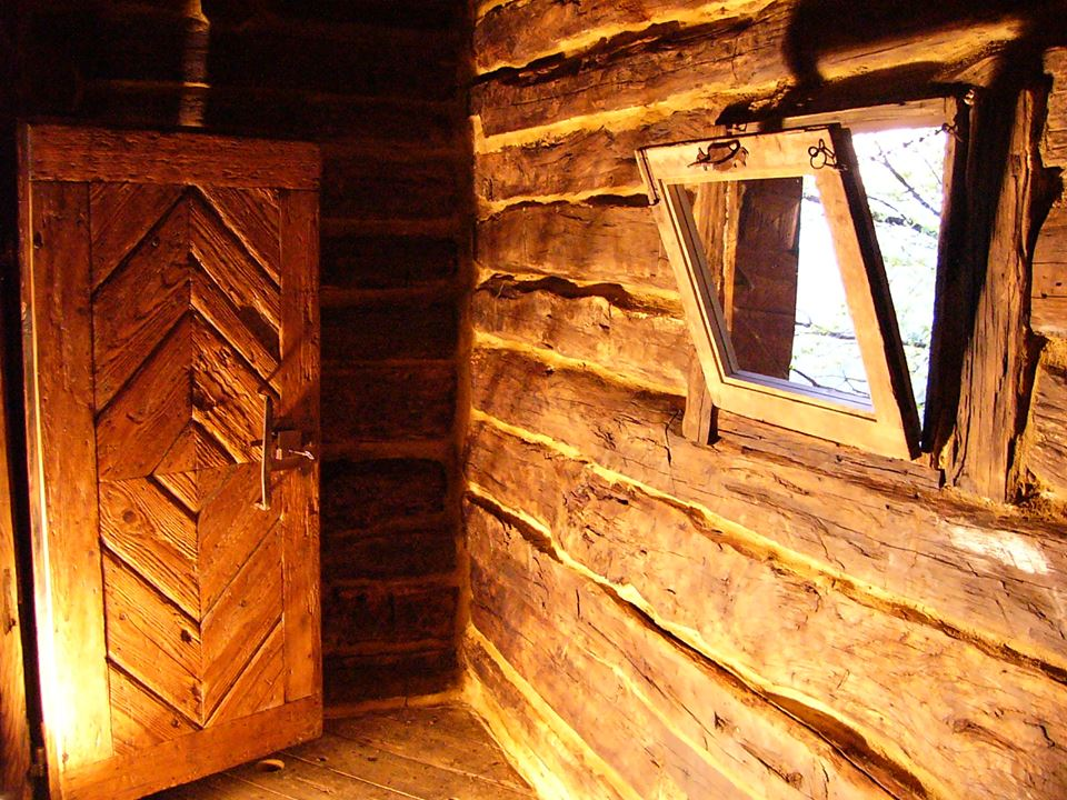 adelaparvu.com despre case din lemn vechi, mester Danut Hotea, case rustice din lemn (5)