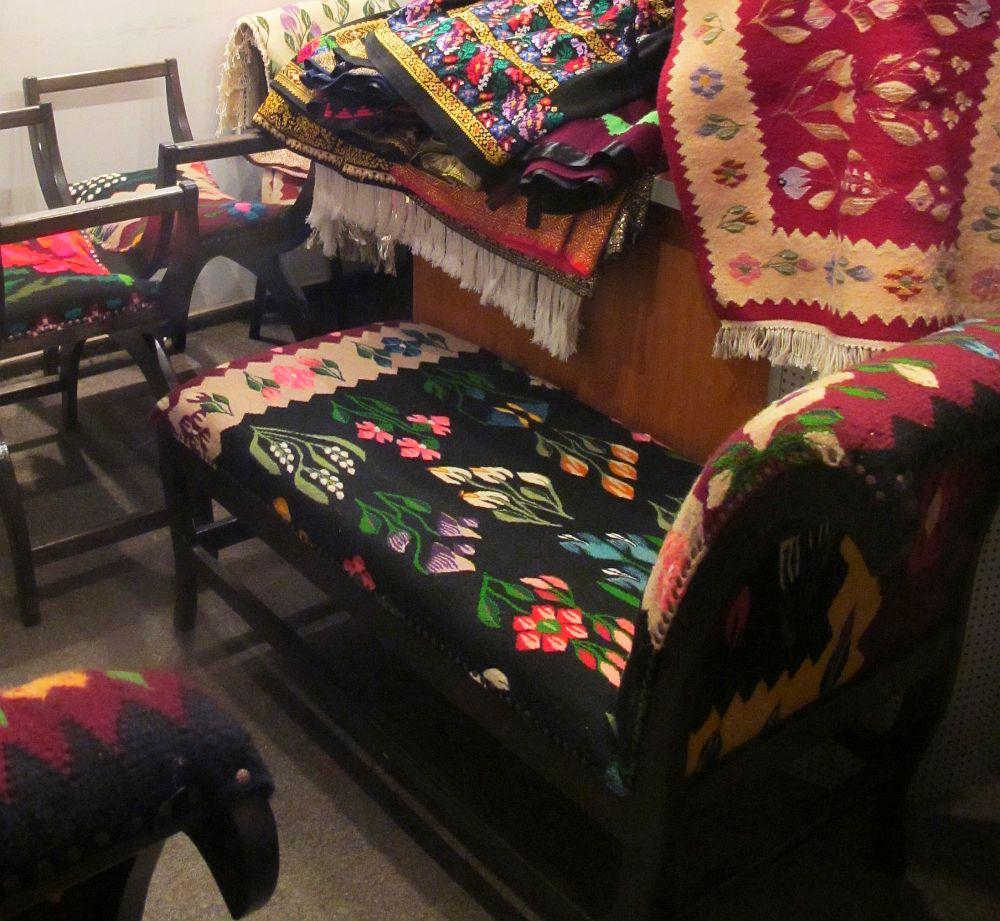 adelaparvu.com despre covoare traditionale si mobila traditionala romaneasca Iiana (5)