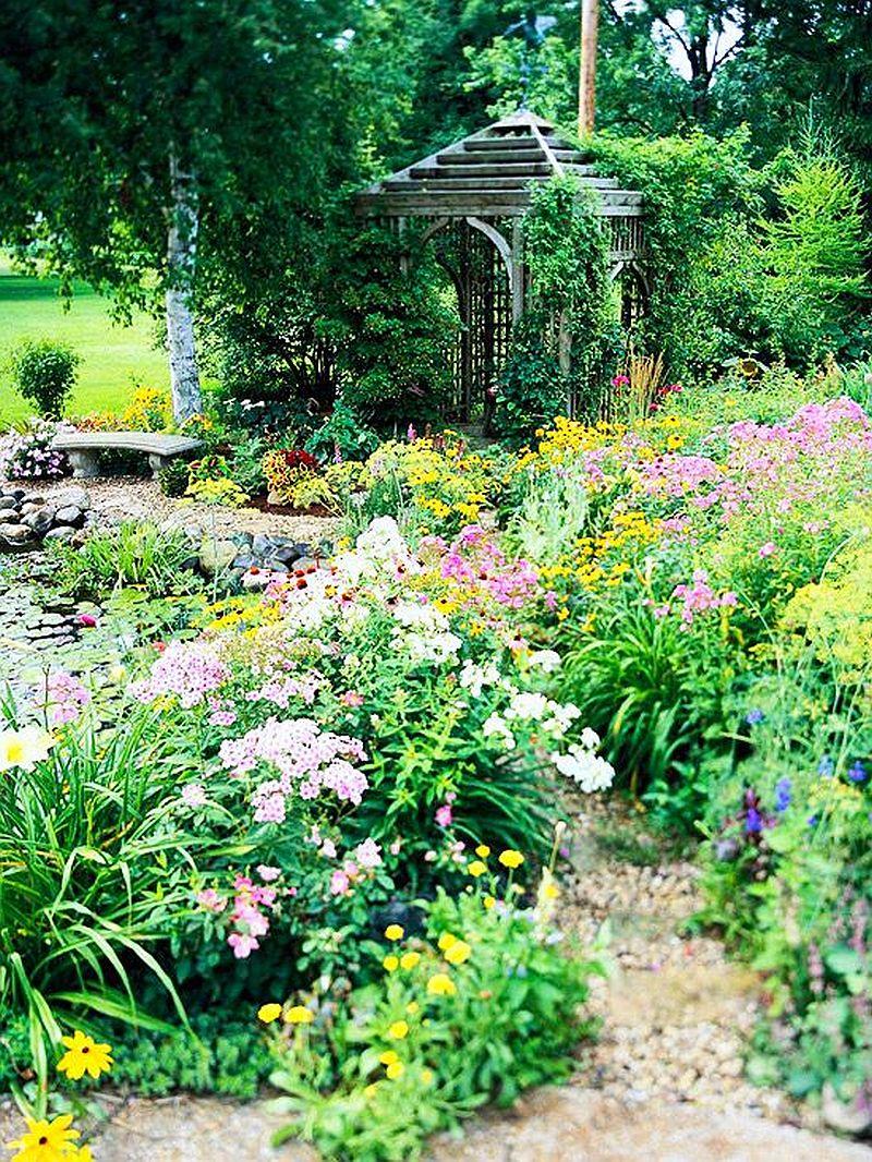 adelaparvu.com despre gradini mici cu flori, Foto BHG (1)
